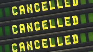 Varios vuelos tuvieron que ser cancelados por la presencia del OVNI