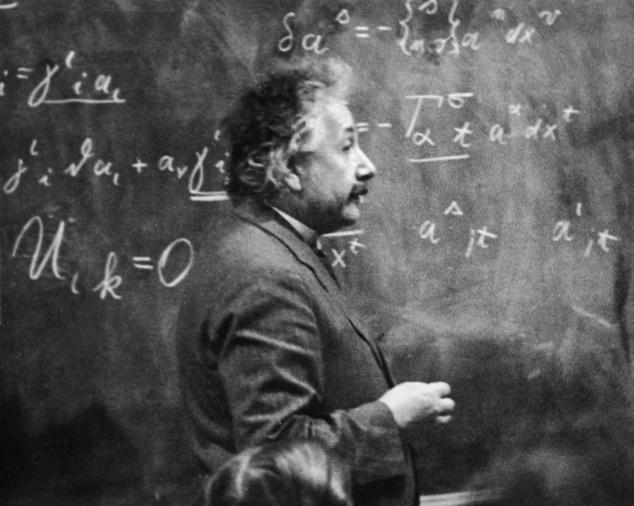 En 1908 Einstein fue contratado en la Universidad de Berna, Suiza, para ejercer por primera vez como profesor de matemáticas y física ::El Mundo